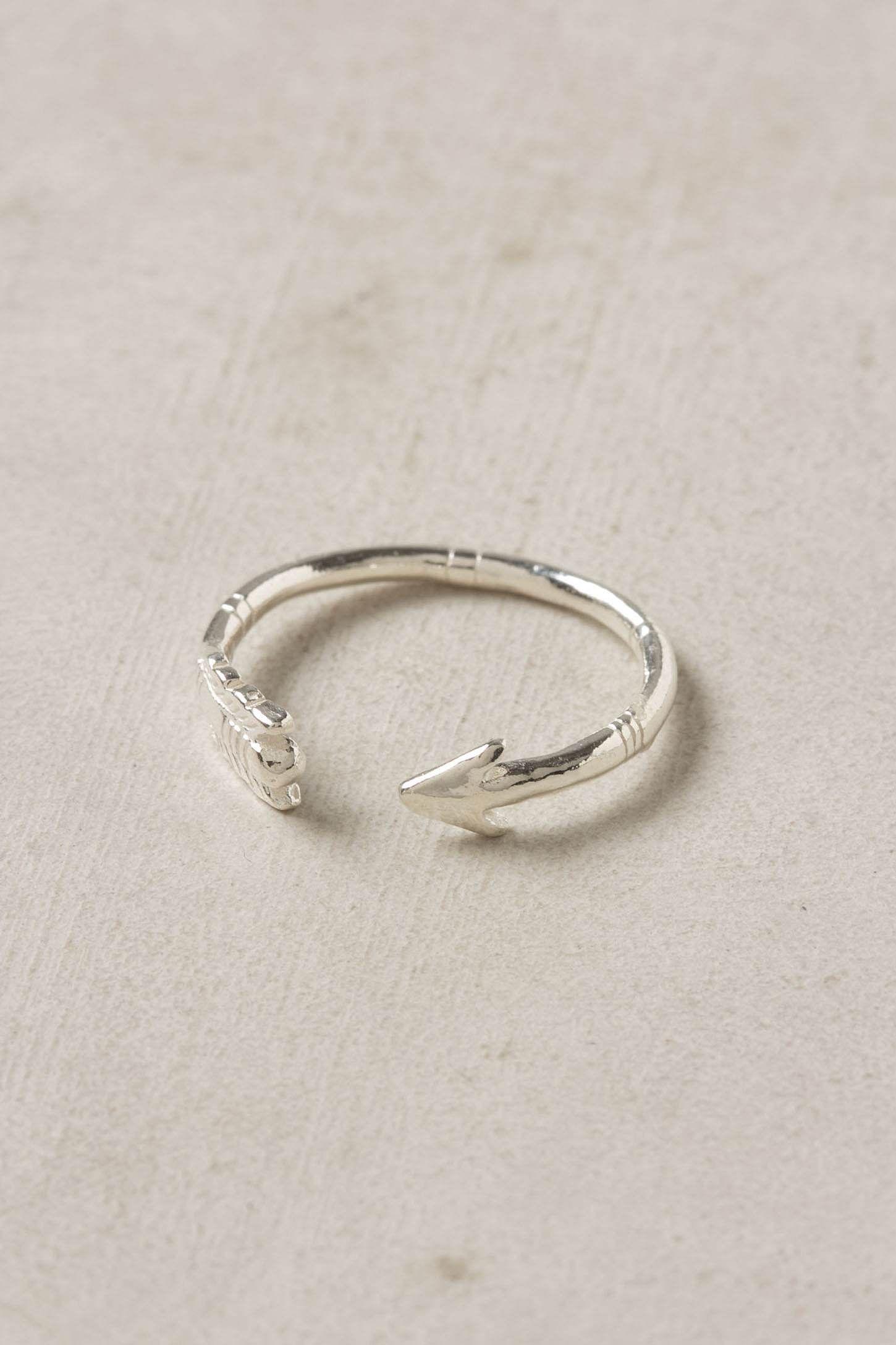 I love dainty rings.