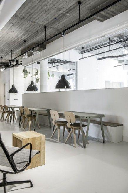Sfeervol industrieel kantoor van decom eigen project for Ontwerp kantoorinrichting
