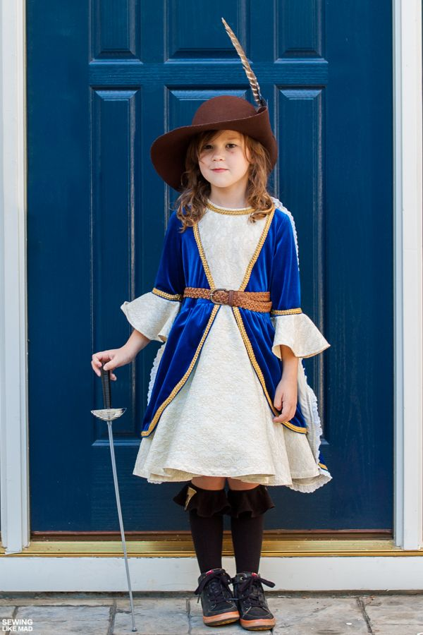 Sewing Like Mad Halloween 2015 - Girl Musketeer cosplay - kid halloween costume ideas