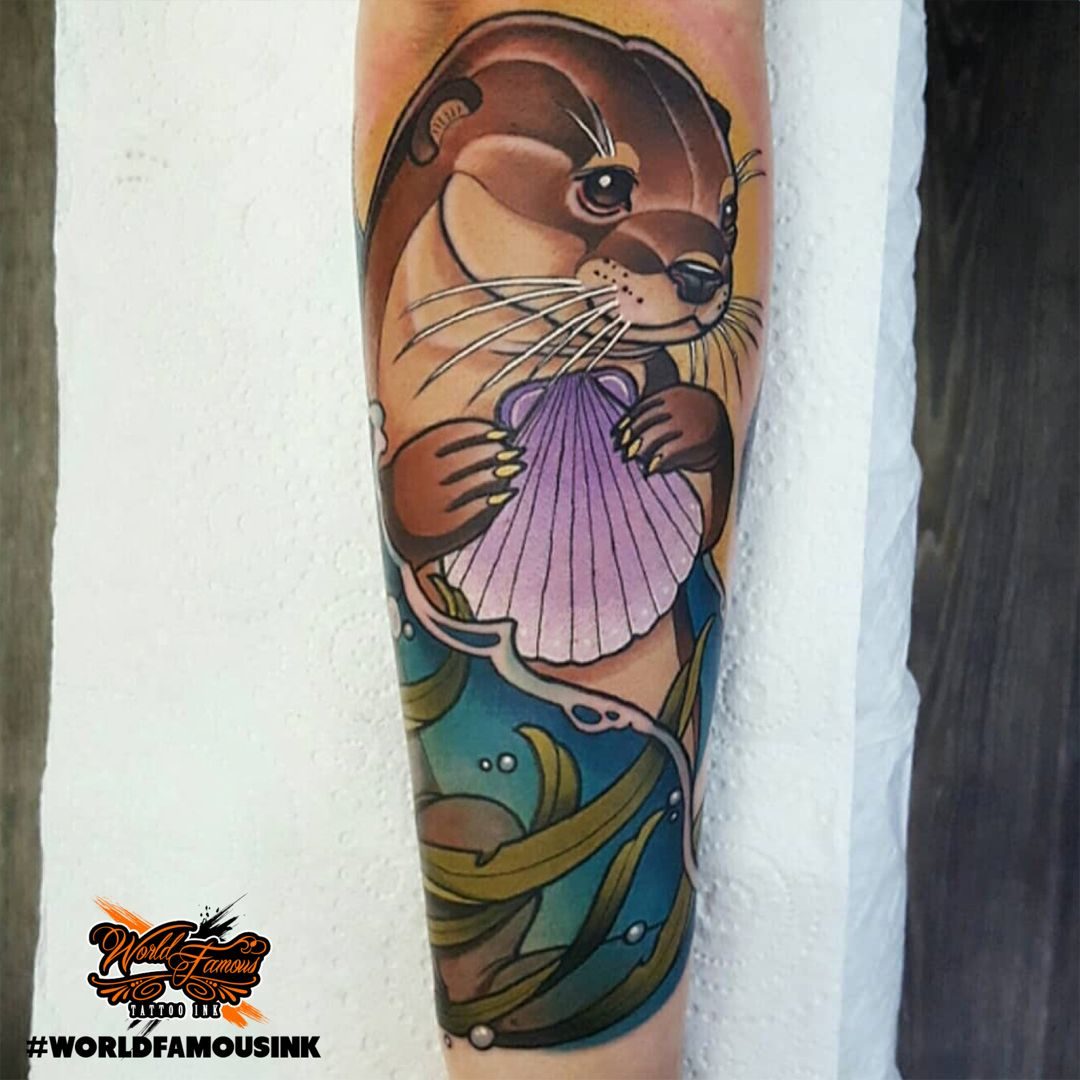 Inked up otter