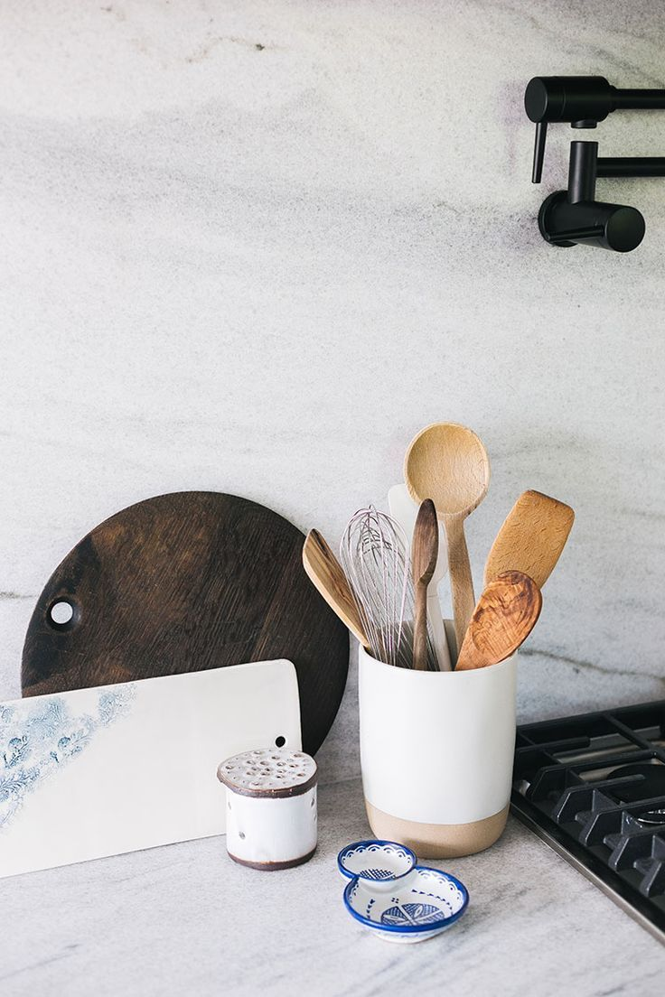How to Style a Kitchen + My List of Styling Essentials #oldhouse #kitchen #kitchenrenovation #oldhome #oldhomerenovation #smallspaces #smallkitchen #kitchenrenovation  #kitchenmakeover #kitchen #makeover #fixerupper #shelfie #shelfiestyling #openshelving #howtostyleakitchen #stylingakitchen #styling