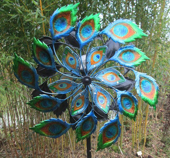 Garden Art Pavo Solar Metal Wind Sculpture   Home Farm Fowls