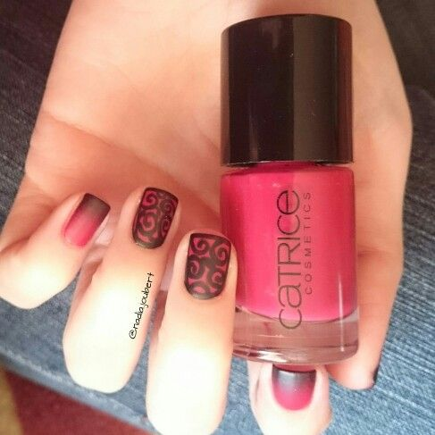 Red and black matte ombre nails with lace detail