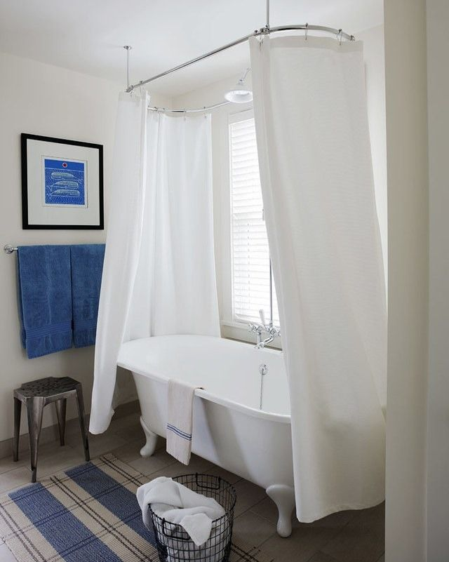 What Not To Do When Displaying Art In Your Bath Bathroom Interior Design Chic Bathrooms Bathroom Design