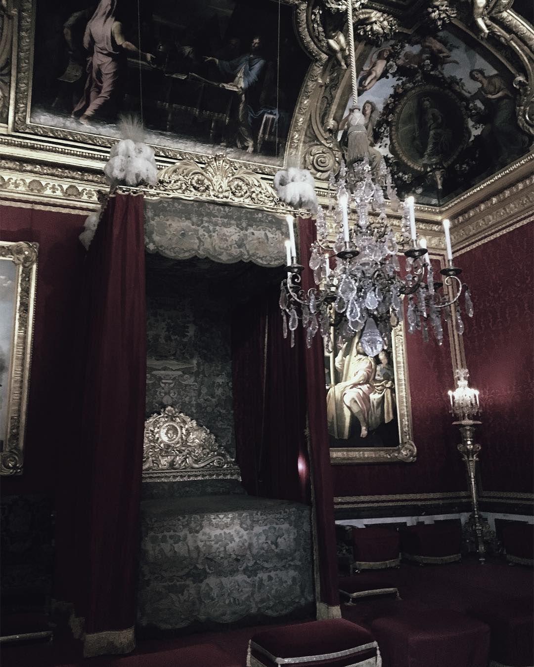 Dark hallway wallpaper  Aviv Grimm grimvr no Instagram ucDaydreamingud  Decoração Dark