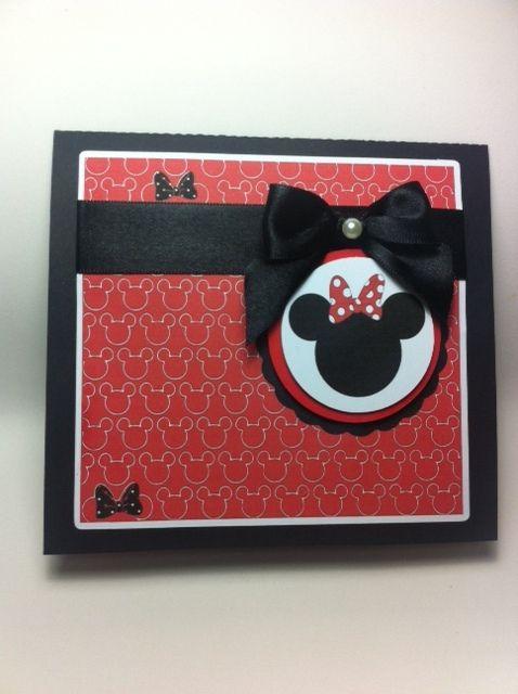 Convite Minnie em vermelho também fica lindo www.checklistpapelaria.com.br