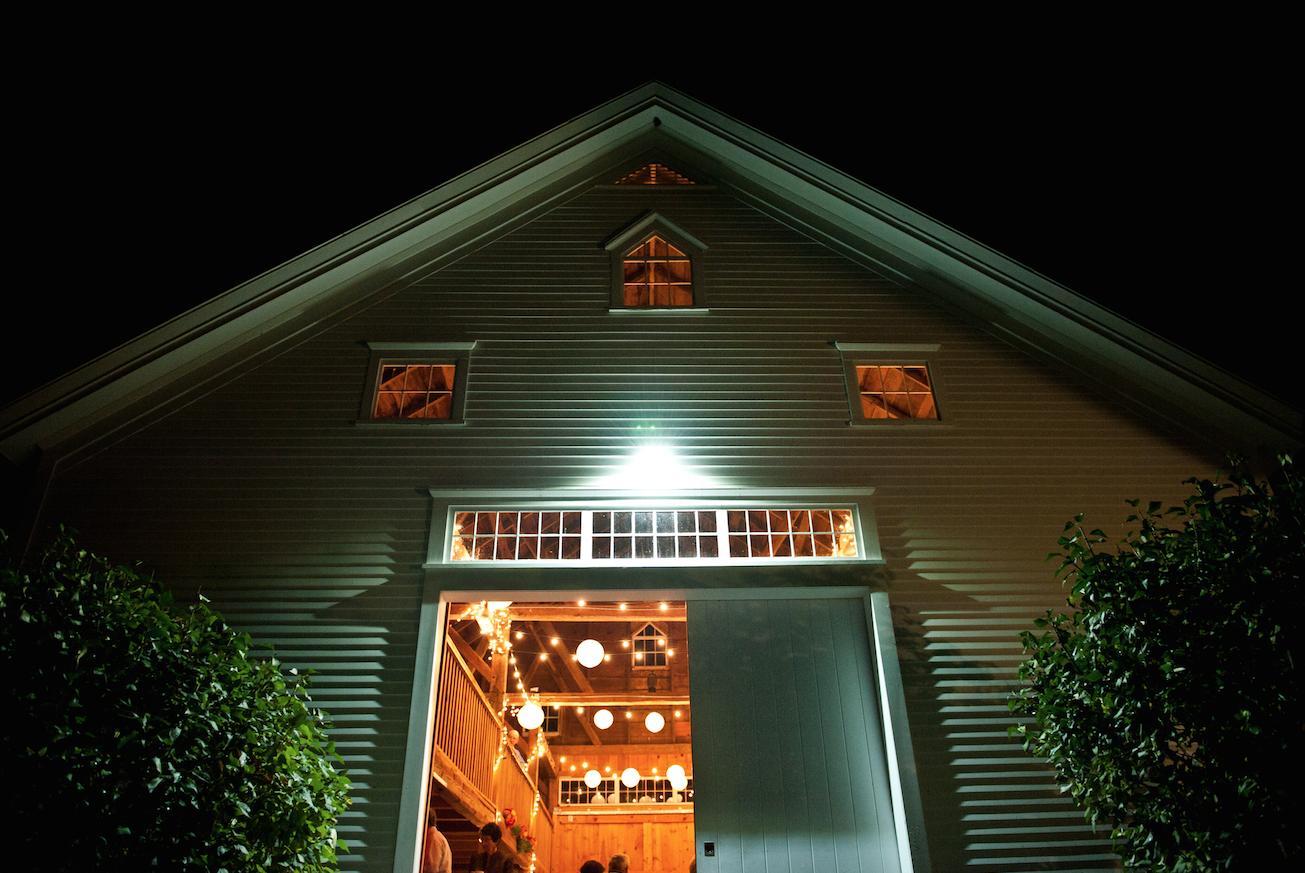 Maine barn wedding at night. www.theblacktieco.com image ...