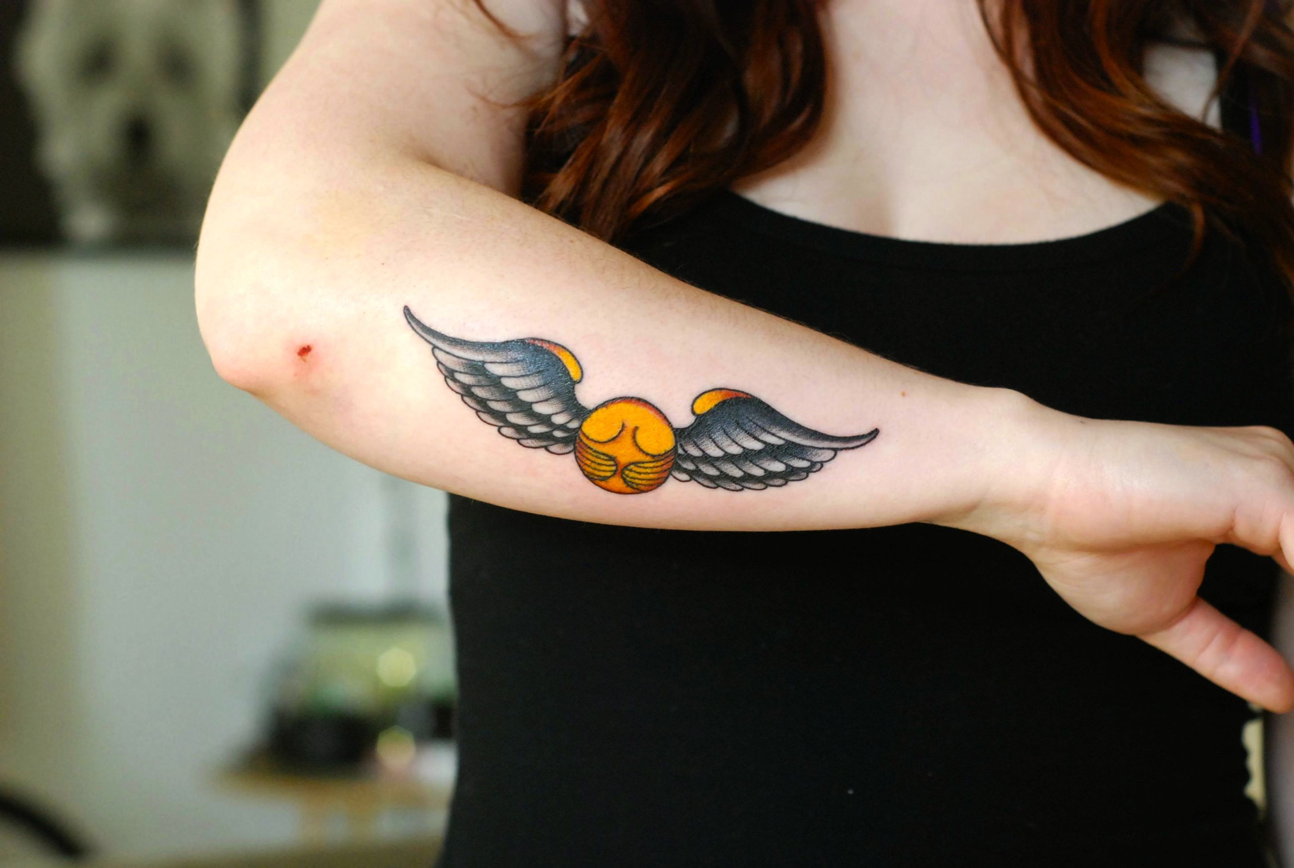 The 25 best snitch tattoo ideas on pinterest golden for Unique harry potter tattoos