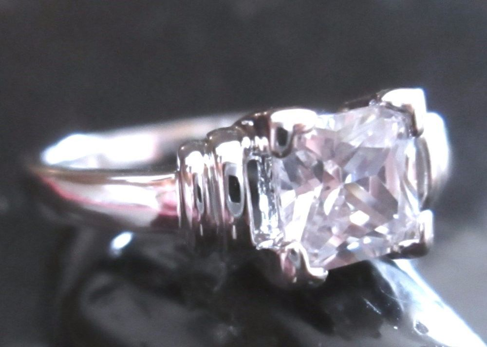 White Sapphire 1.24 carat Princess Cut 10 kt White Gold Filled Ring Size 10 #Unbranded #Solitaire