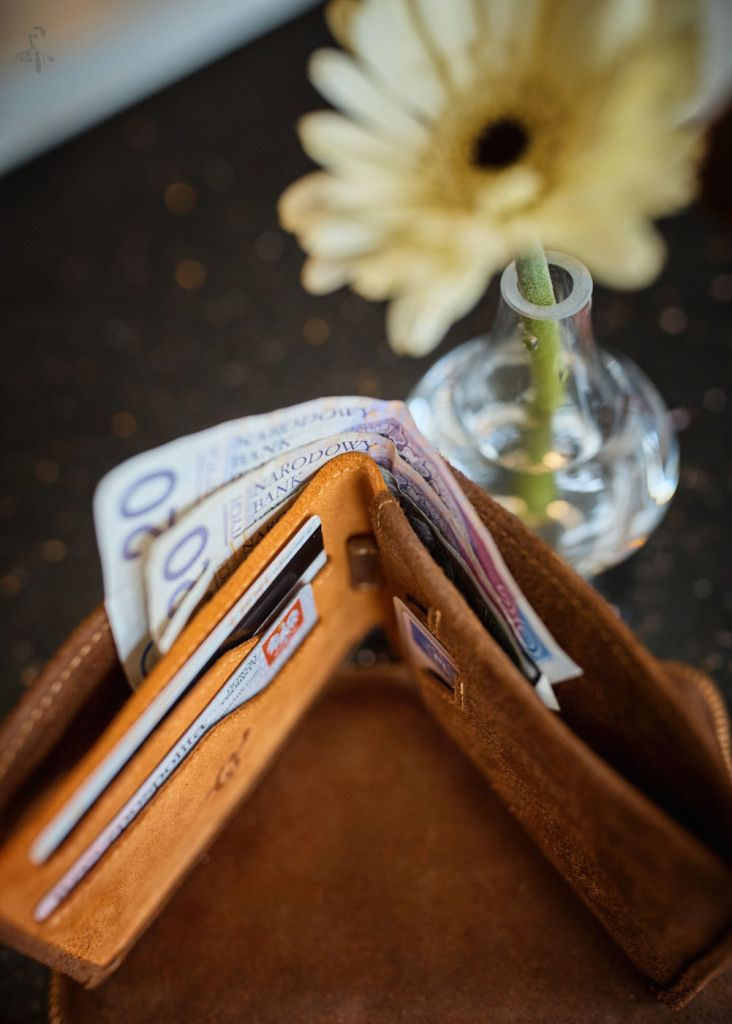 Gerbera Daisy Genuine Leather Front Pocket Wallet Personalized