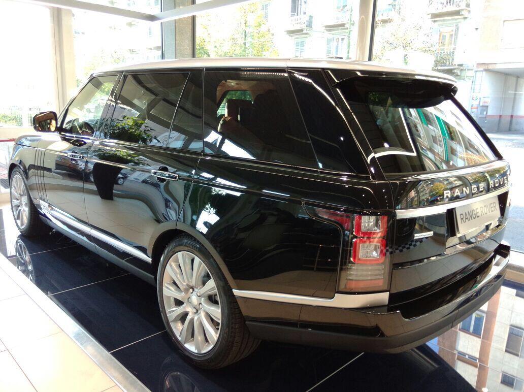 2x Land Rover Range Rover 3.0 LWB Mehr unter www