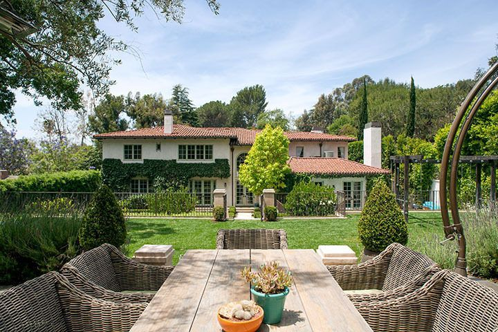 Reese Witherspoon Selling Her Brentwood Estate for 14