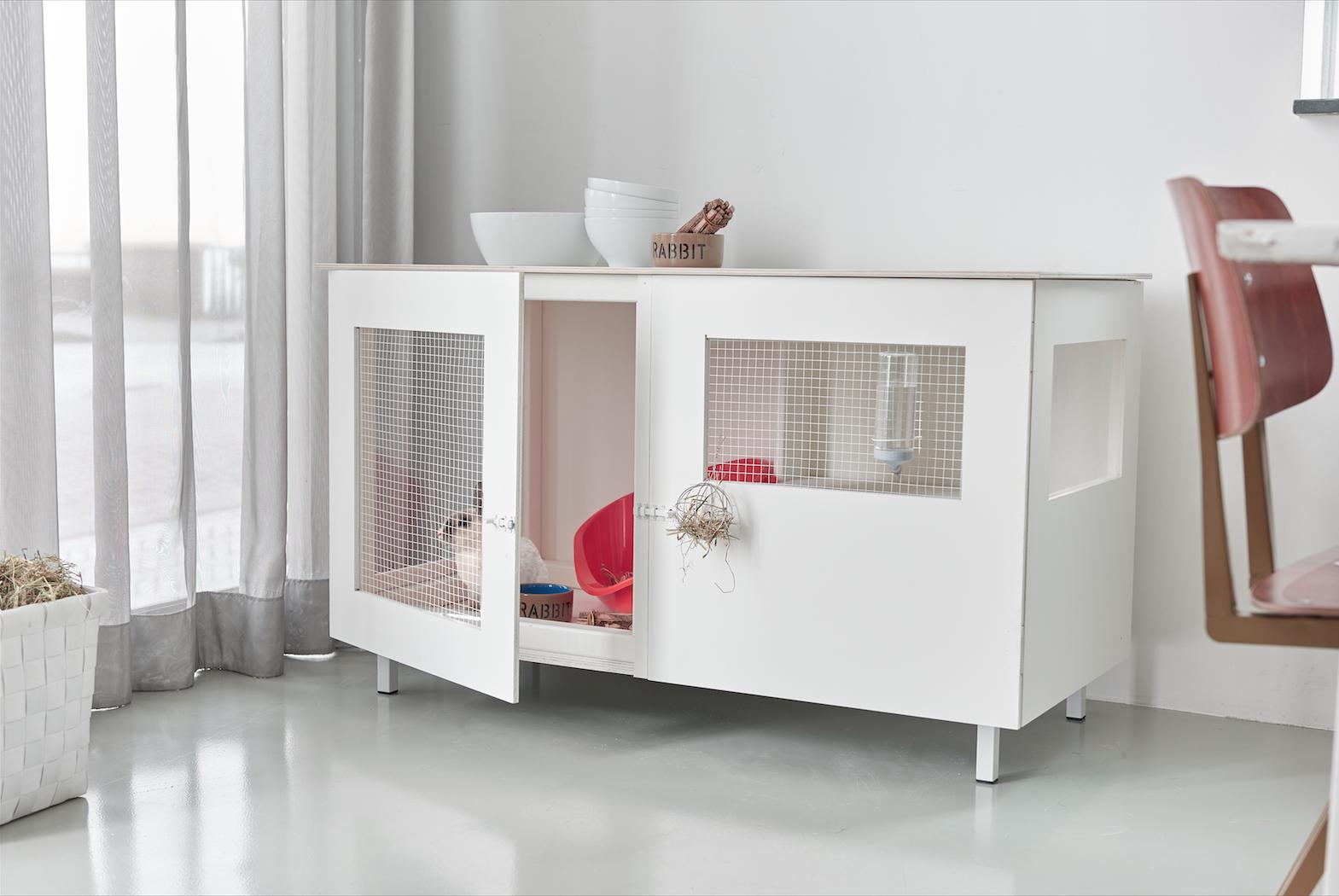 Praxis | Zelf een konijnenhok maken? Dat kan! Lees het maakrecept op voordemakers.nl