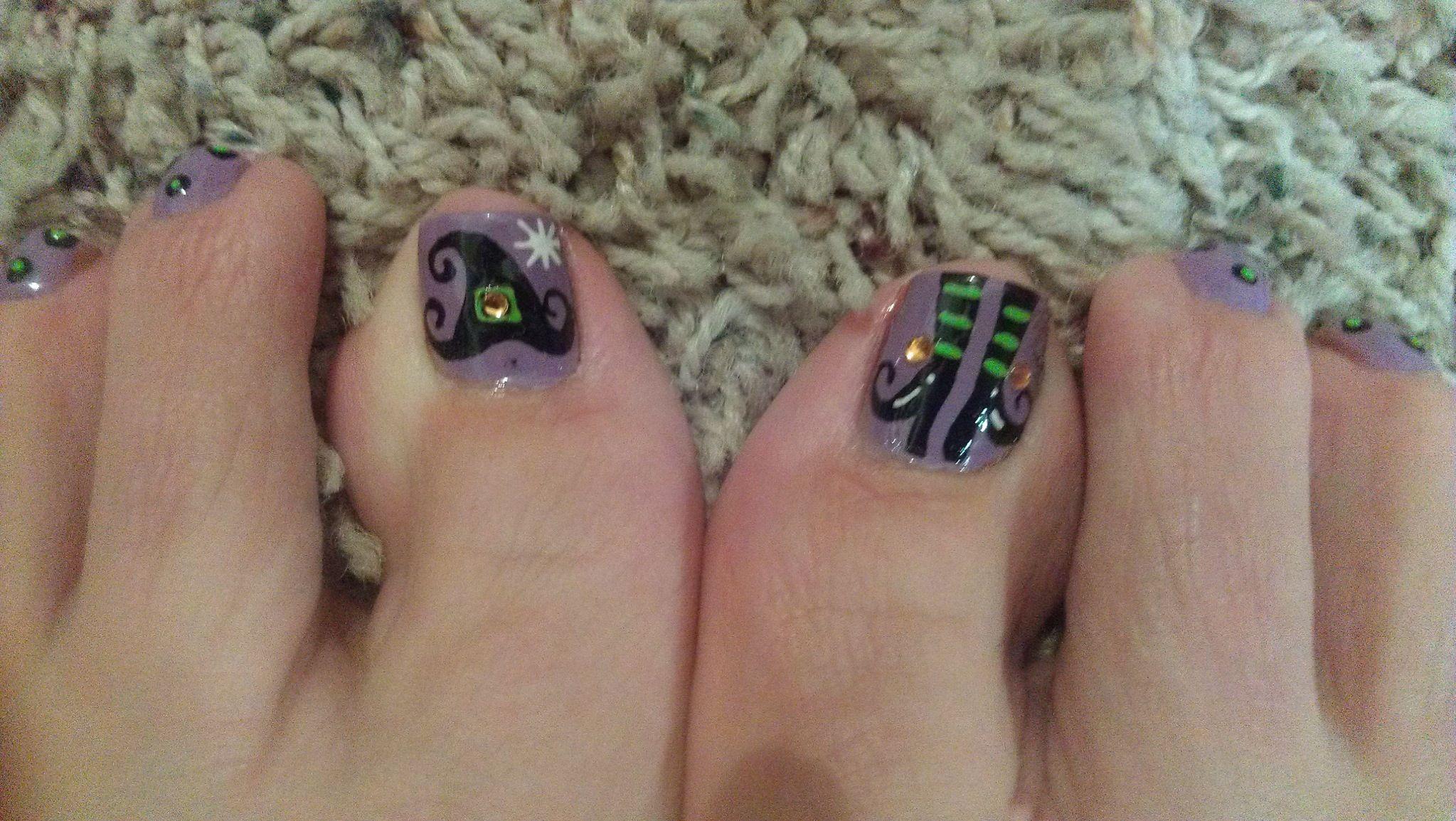 My Halloween MEG Toes by Meg In Spanish Fork Utah. Freehand nail ...