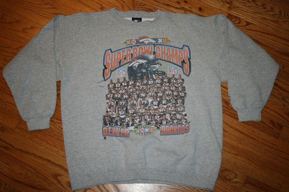 Vintage Denver Broncos Super Bowl XXXII Football Starter Sweatshirt Men s  Large  Starter  DenverBroncos df528cf89