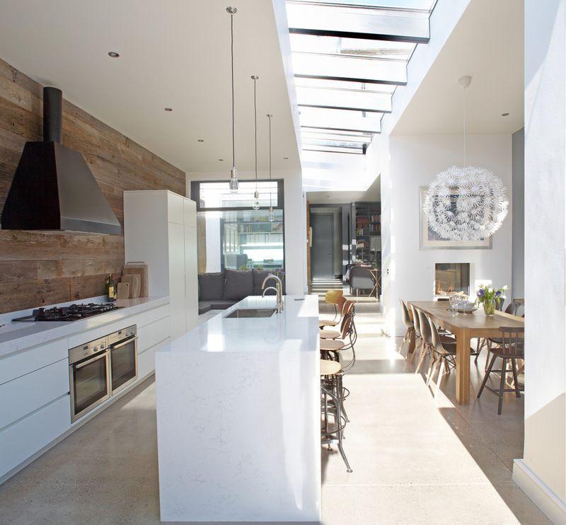 cuisine blanche et dosseret en bois beau luminaire de salle manger home pinterest. Black Bedroom Furniture Sets. Home Design Ideas