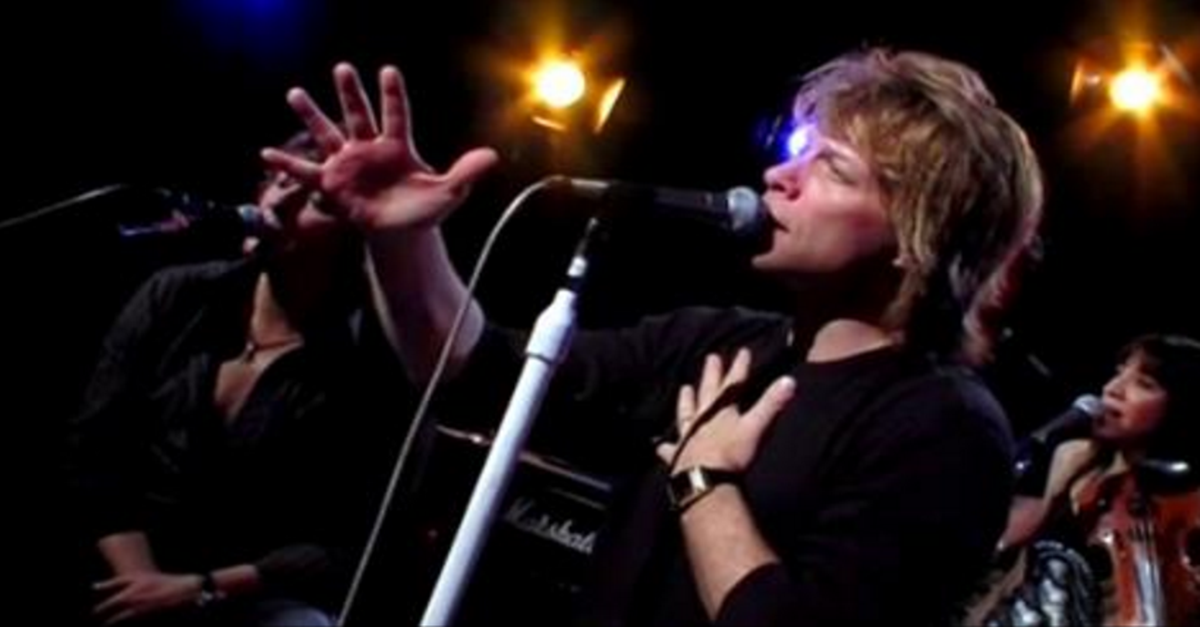 Bon Jovi Absolutely Mesmerizes Everyone When He Sings \'Hallelujah ...