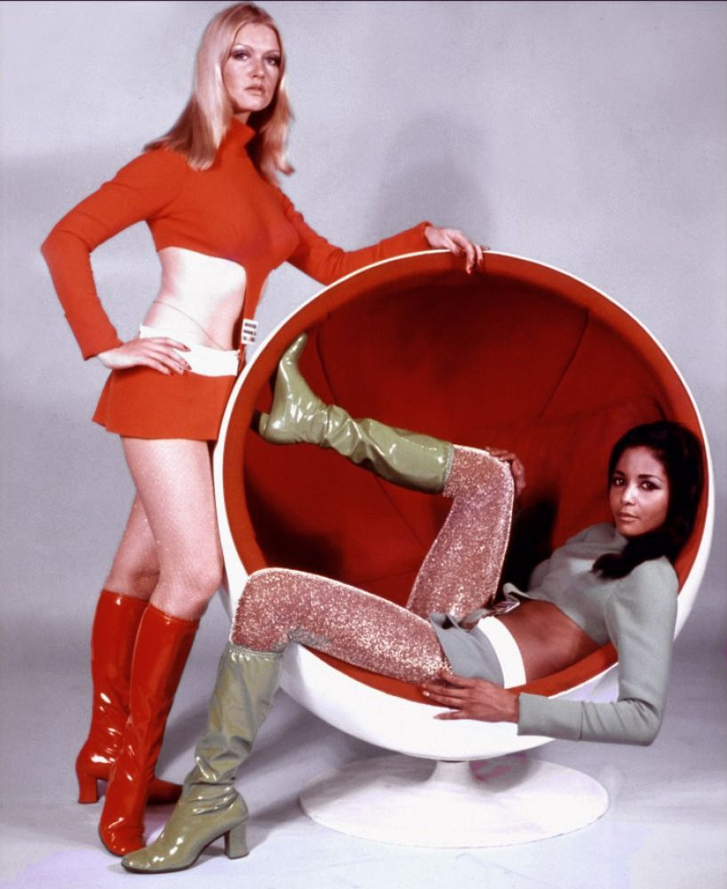 Ball Chair retro foto http://loft-concept.ru/catalog/kresla-dlya-gostinoy/