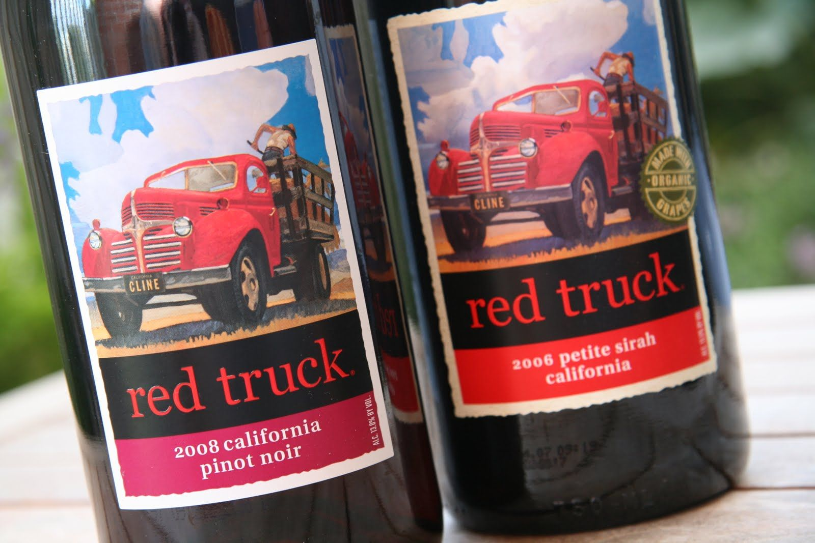 Red Truck Pinot Noir Really Bright Color Very Berry Cherry Good Not Great But Nice And Fruity Very Drinkable Pinot No Wine Images Red Truck Wine Bottle