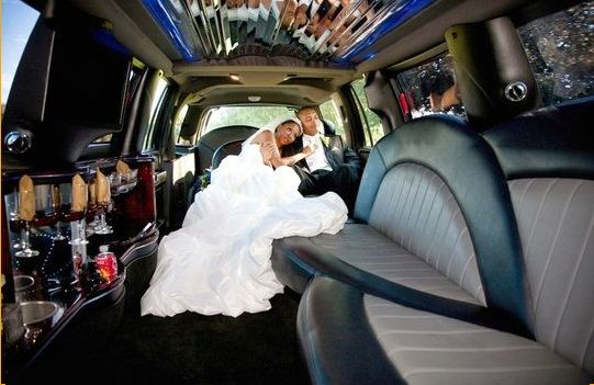 Hire A Wedding Limo From New York Limo Rental To Make Your Wedding Ceremony Remarkable Https Wedding Transportation Wedding Limo Service Long Island Wedding