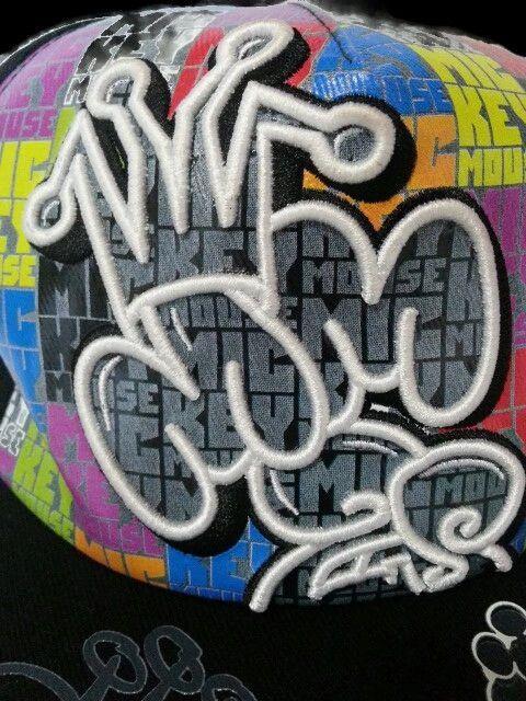 Disney Grafitti Mickey /& the Gang Baseball Hat