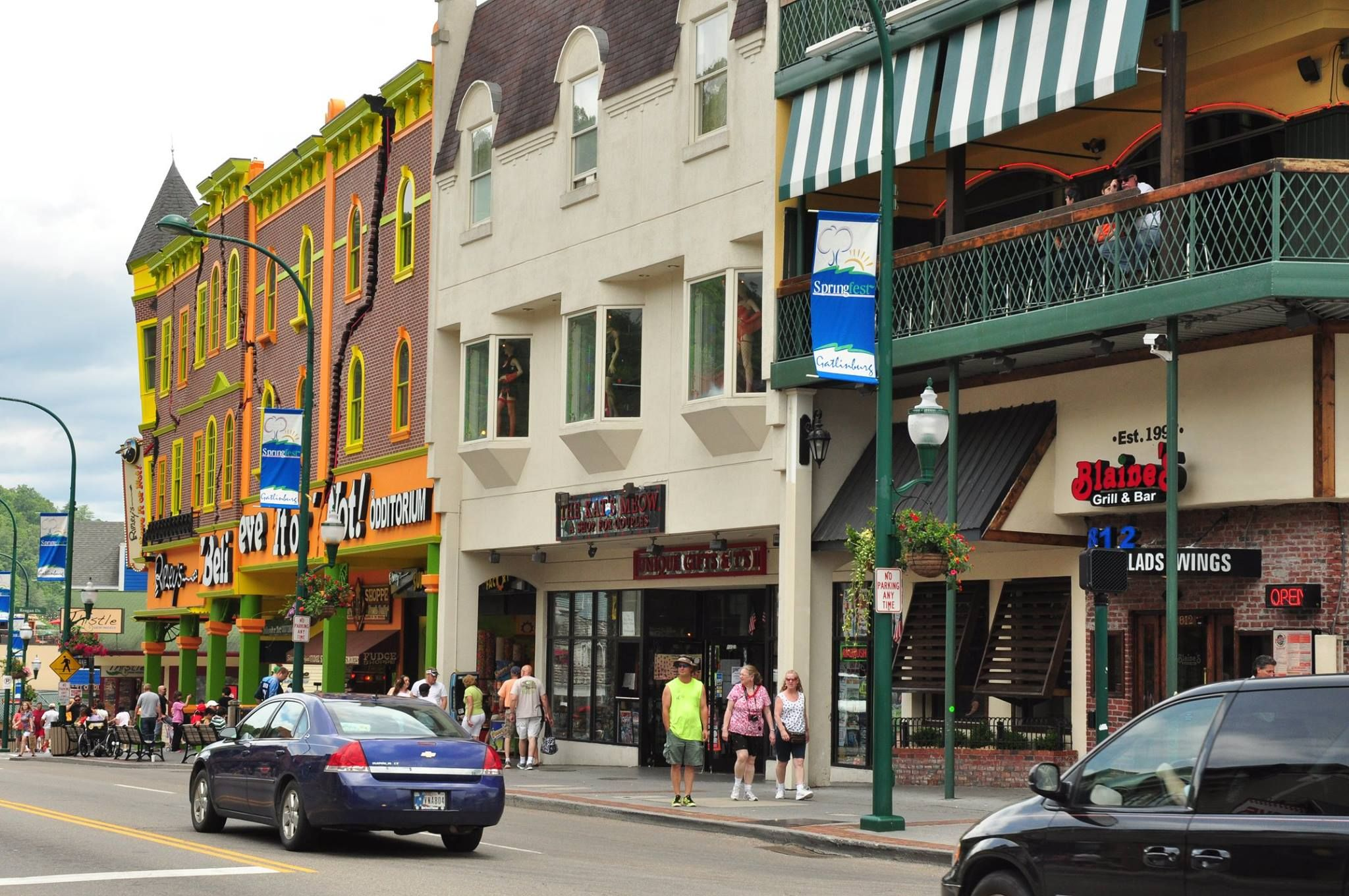 Wouldn T You Like To Take A Walk On The Streets Of Gatlinburg Soon Gatlinburg Hotels Downtown Gatlinburg Hotels Gatlinburg