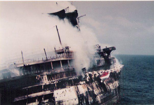 Achille Lauro 1964 1994 La Fine Con Affondamento Cruise Ship Rms Titanic Cruise