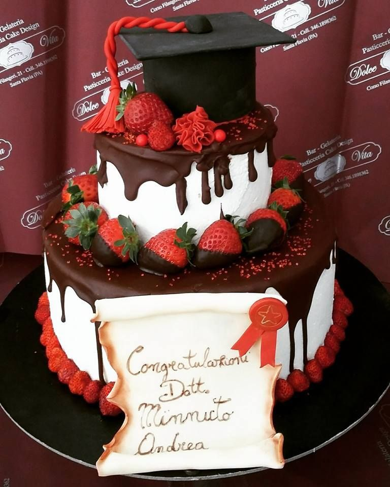 Pin By Joan Gordon S Blog Page On Graduation In 2020 Graduation Cakes Graduation Cake Designs Graduation Party Cake