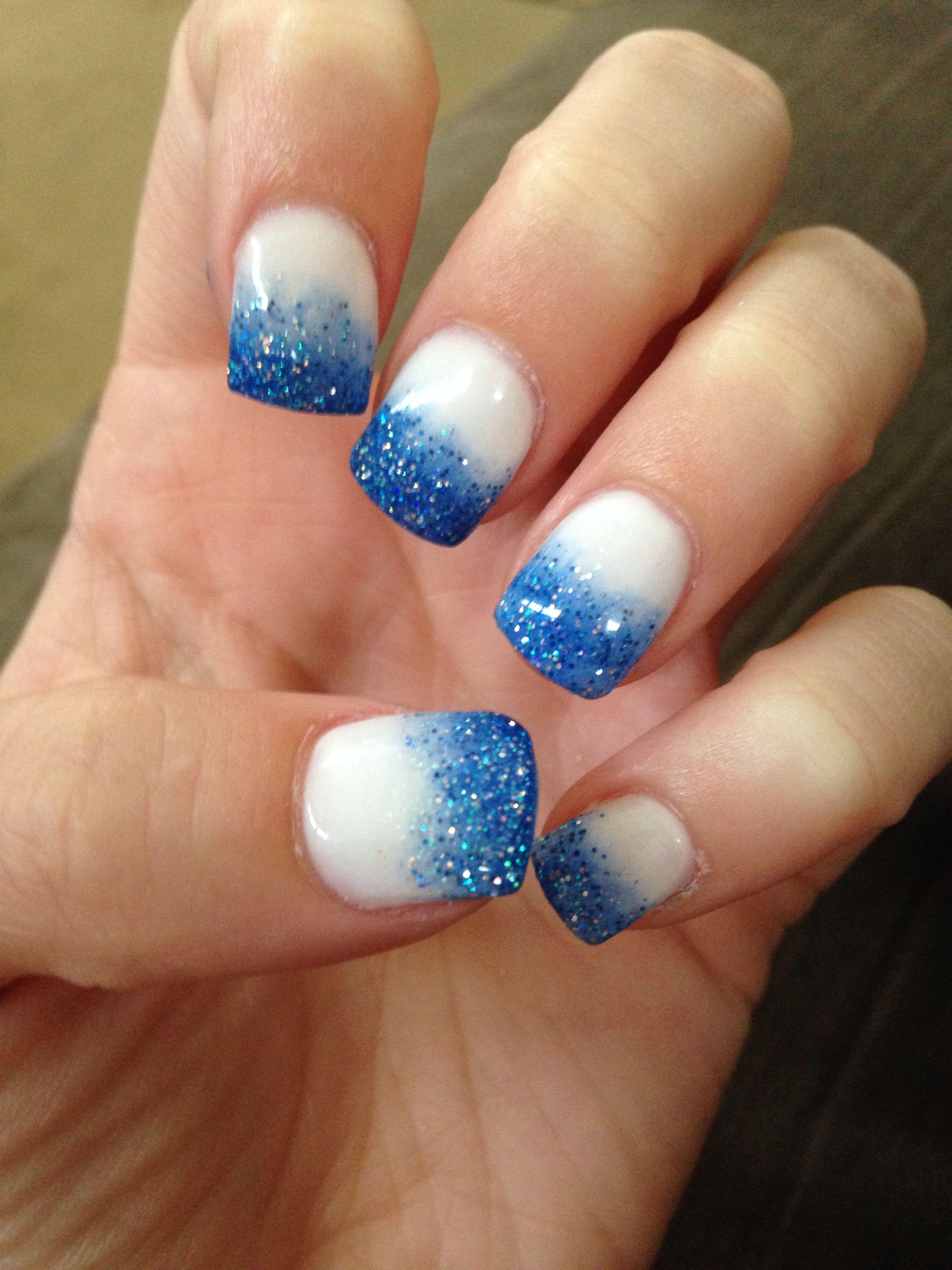 Blue ombré nails Blue ombre nails, Nail art inspiration