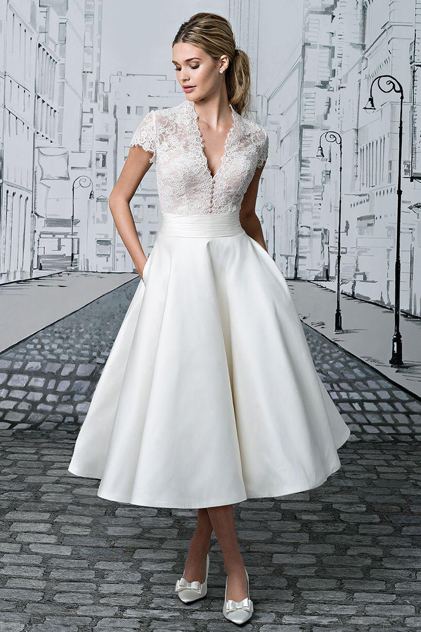 wedding gown gallery hochzeitskleid. Black Bedroom Furniture Sets. Home Design Ideas