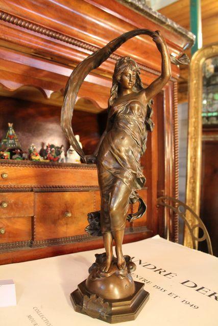 statue en bronze la brise d auguste moreau toulouse 31 antiquit s brocante en ligne puces. Black Bedroom Furniture Sets. Home Design Ideas
