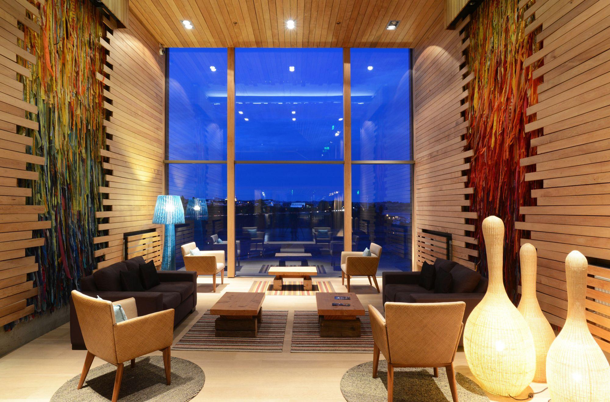 Hotel De La Isla  / Estudio Larrain