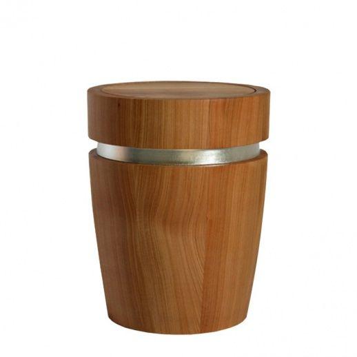 stilvolle grab urne aus kirschbaum bestellen cleo einzigartige handgefertigte holz urnen. Black Bedroom Furniture Sets. Home Design Ideas