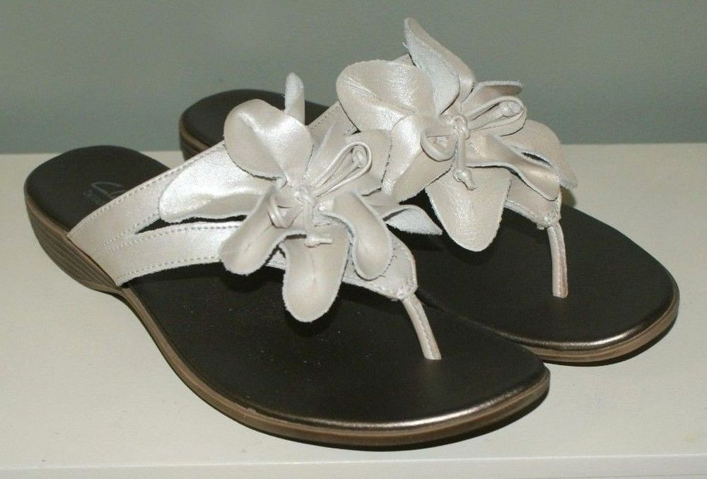 a507309b6dd Clarks Bendables Thong Sandals White Leather Floral Womens Size 8M  Clarks   Thong  Casual