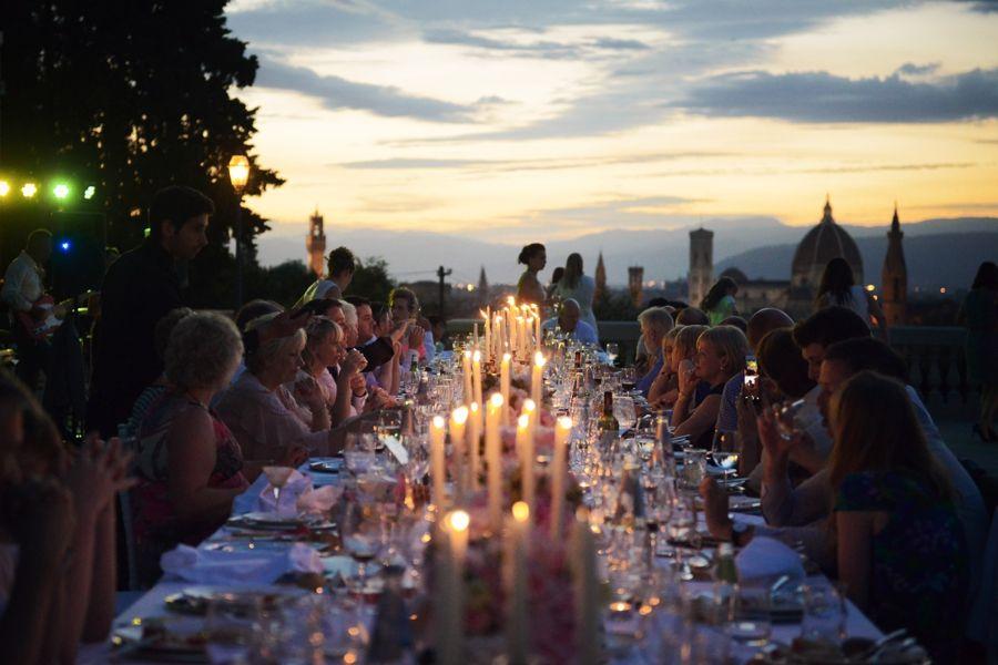 Candlelight wedding reception in Florence // Tuscany destination wedding. www.landvphotography.it