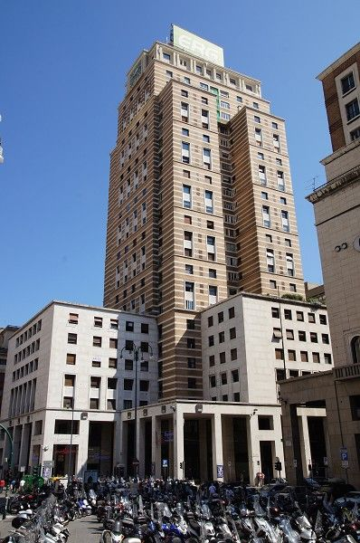 Torre Piacentini Genoa, 1940, 31 floors (but I can only count 27 and ...