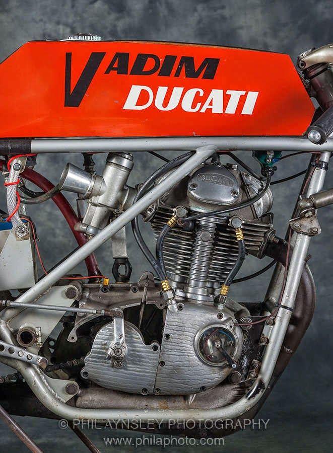 Ottonero Cafe Racer: Ducati Vladim Seely -250SC-V