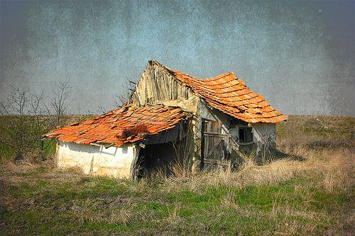 Elhagyott tanya valahol a Tisza-Maros szögben / Abandoned farm house somewhere in South-Eastern Hungary