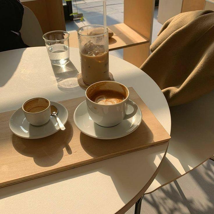 ˏˋ𝒑𝒆𝒂𝒄𝒉𝒎𝒊𝒏ˎˊ オシャレ カフェ おしゃれな壁紙背景 韓国カフェ