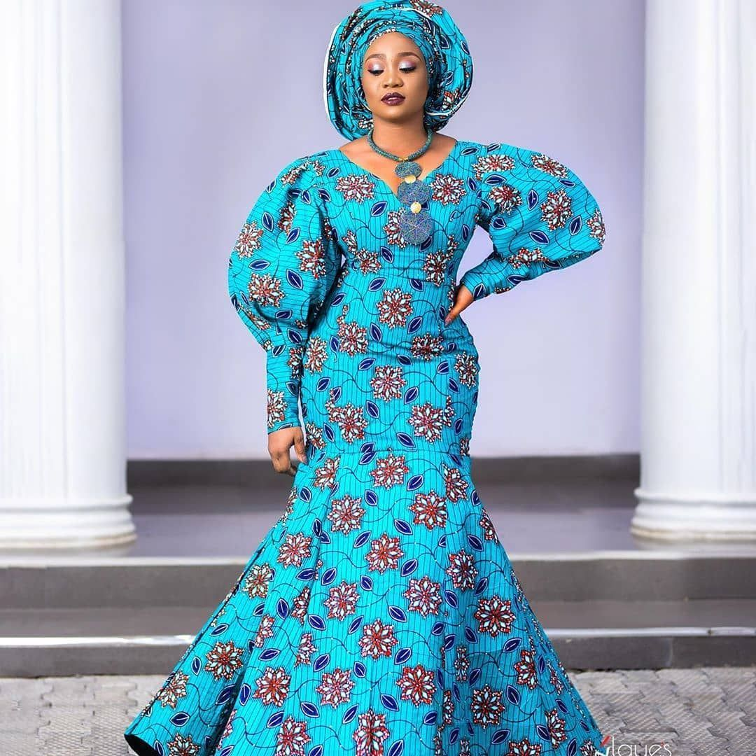 Best African Dress Designs : Scintillating Latest Fashion Styles You Will Love | | Zaineey's Blog #africandressstyles Best African Dress Designs. Hi ladies, today we present the latest trend of African dresses designs that will inspire you to combine your accessories in a stylish and beautiful way. #ankaramode