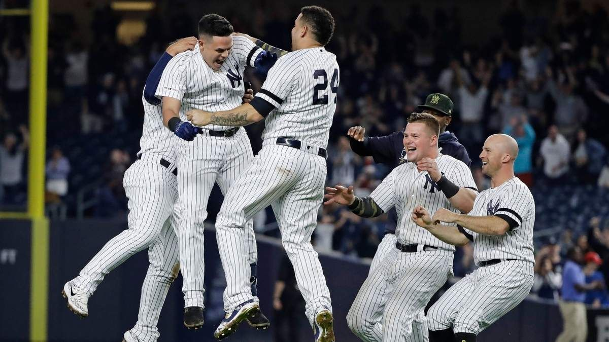 Rays Blow Two Run Lead In Ninth Lose Game And First Place To Yankees Yankees New York Yankees New York Yankees Baseball