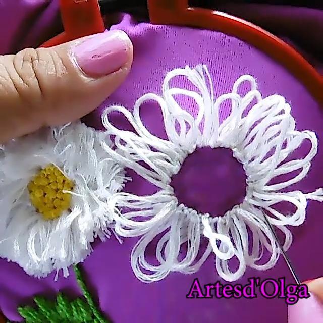 Margaritas Con Flecos Video Embroidery Flowers Pattern Hand Embroidery Flowers Flower Embroidery Designs