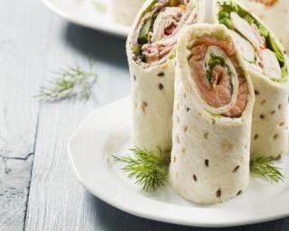 Sandwich wrap au saumon fumé et fromage frais minceur