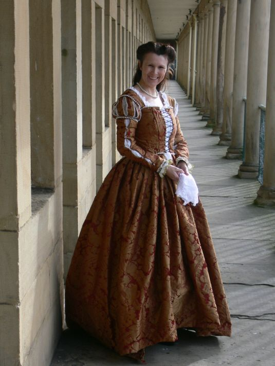 34c3f4efc053 venetian gown by ~Abigial709b on deviantART - Contemporary in period to  early Tudor