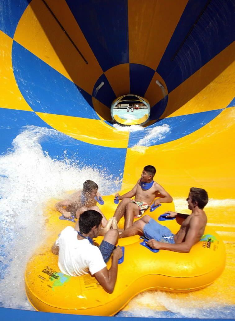 Splashtown Waterpark San Antonio Hurricane Harbor Water Park Summer Family Activities