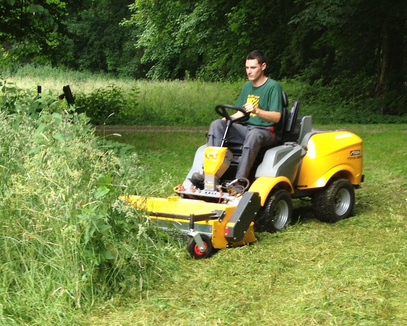 Kersten Flail mower on a Stiga Titan cutting long grass