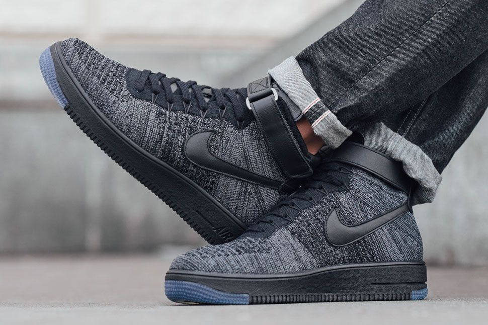 finest selection b9ac1 64484 Nike Air Force 1 Ultra Flyknit Mid
