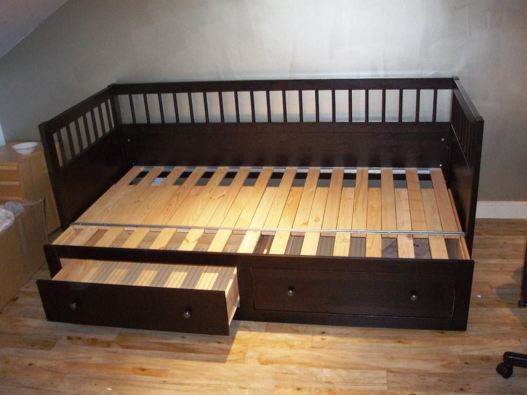 Daybed with pop up trundle ikea diy daybed frame plans  home diy  pinterest  diy daybed daybed