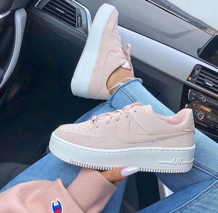 Pin by Rachel Dandrimont on kickz | Nike shoes girls, Nike air ...