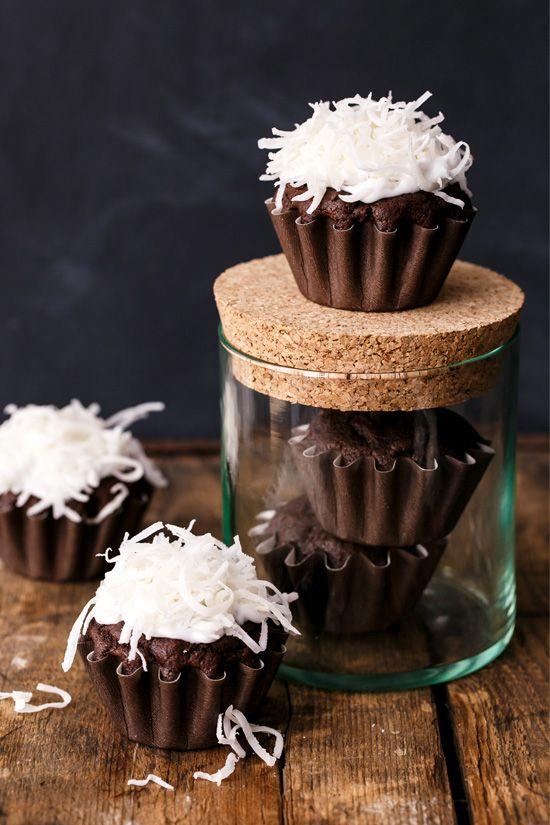 Vegan Chocolate Coconut Cupcakes Love And Olive Oil Recipe Chocolate Coconut Cupcakes Coconut Cupcakes Vegan Cupcakes